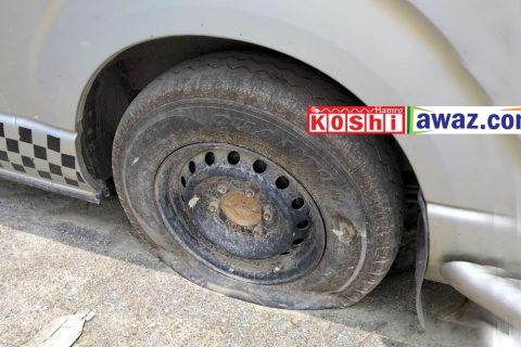धरानमा बसको यो हालत: टायर पड्कियो (१३ फोटो र अन्तर्वार्ता)
